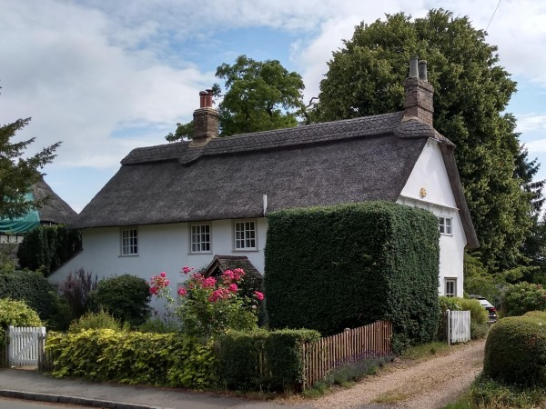 Pretty thatched cottage in Grantchester