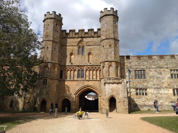 Battle Abbey entrance gate