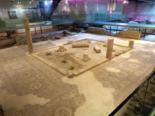 Museo Arqueológico underneath Las Setass