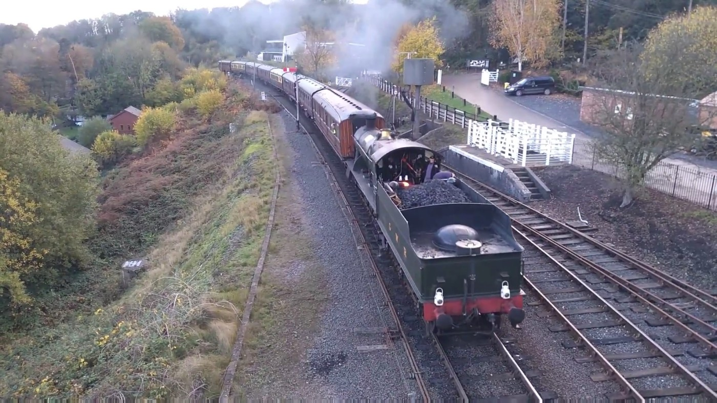 GWR No.2857 pulling into Highley Station